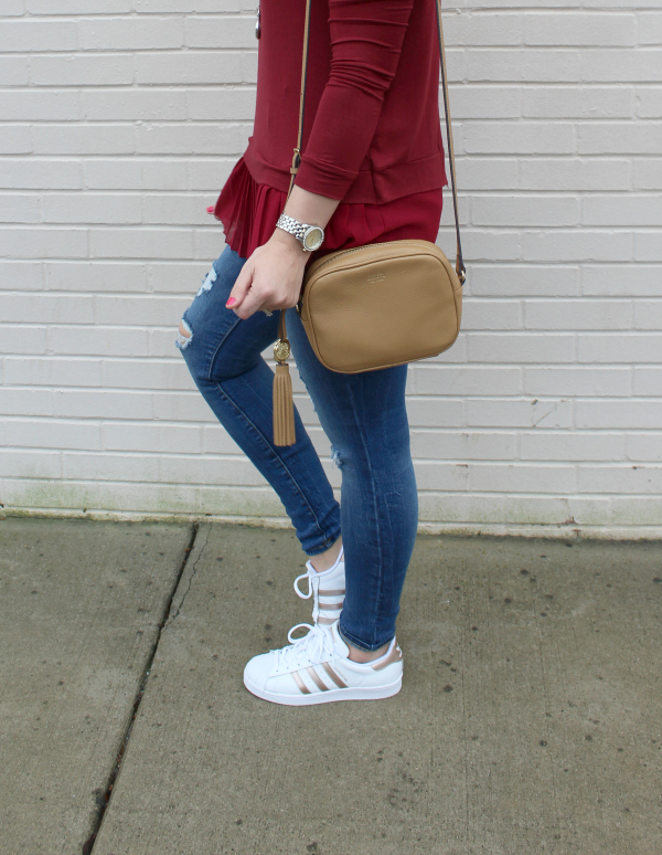 Gray Monroe, adidas superstars, mom style, mom blogger, style on a budget