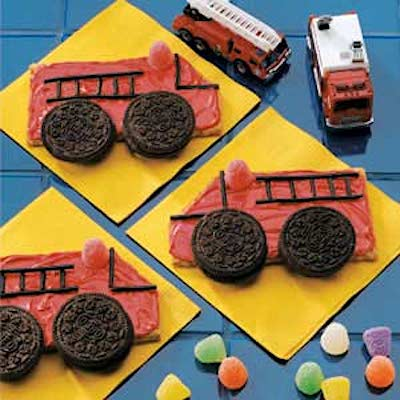 https://www.tasteofhome.com/recipes/fire-truck-cookies/