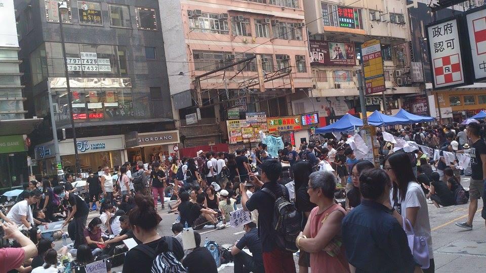 Aksi Demonstrasi Pro-demokrasi Besar-besaran di hongkong