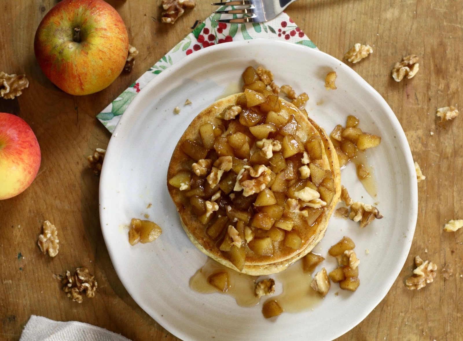 Festive-breakfas-ideas-apple-pancakes