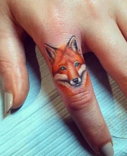 Este white-cheeked fox