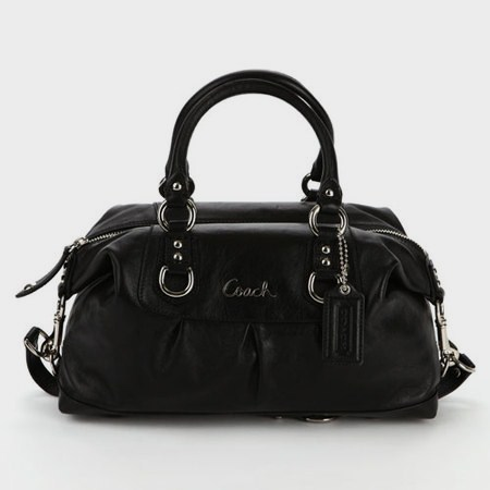 f4791610928cf ♥Leather coach hang tag ♥Large zip pocket with leather pull on one side ♥1  open multi-function slip pocket