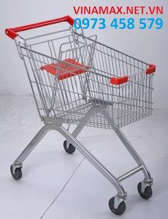 xe đẩy inox tại siêu thị