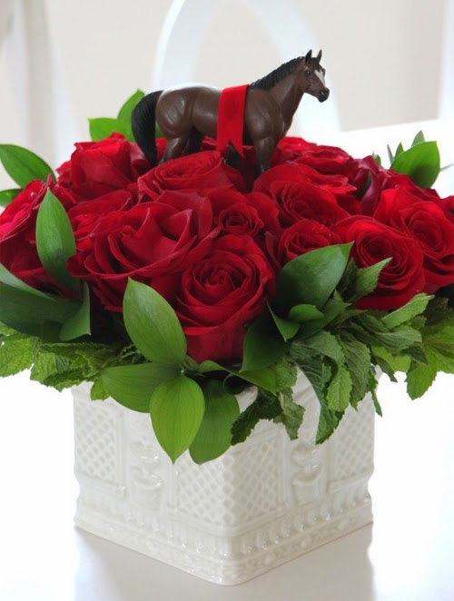 Horse and Red Roses Kentucky Derby Centerpiece | DerbyMe.com