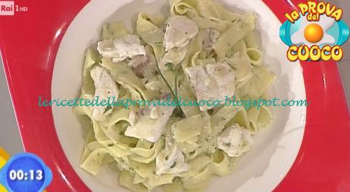 Maltagliati all'erba cipollina e pesto di melanzane ricetta Improta da Prova del Cuoco