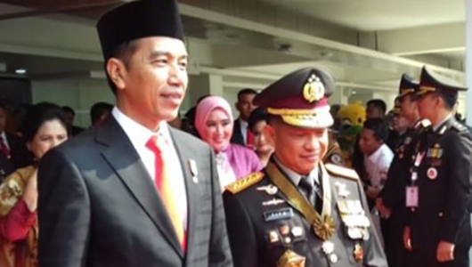Jokowi Perintahkan Kapolri Tindak Tegas Penyebar Hoax Door to Door