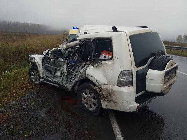 В Башкирии грузовик занесло на иномарку, погиб человек