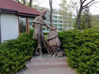 Миргород. Скульптура Івана Івановича і Івана Никифоровича