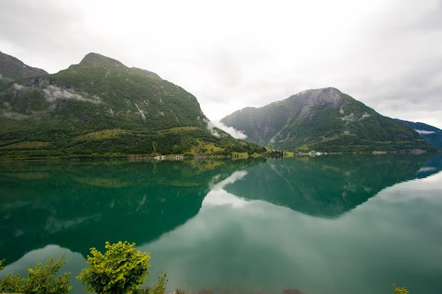 Fiordi norvegesi lungo la strada Fv 107