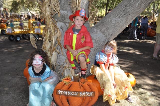 pumpkins, costumes