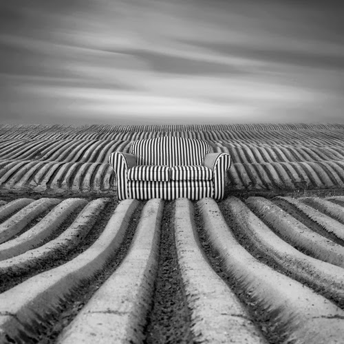 13-Sofa-Photographer-Dariusz-Klimczak-Surreal-Dream-World-www-designstack-co