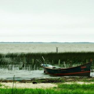 A Praia do Pinvest, em Tapes, fica  às margens da Lagoa dos Patos