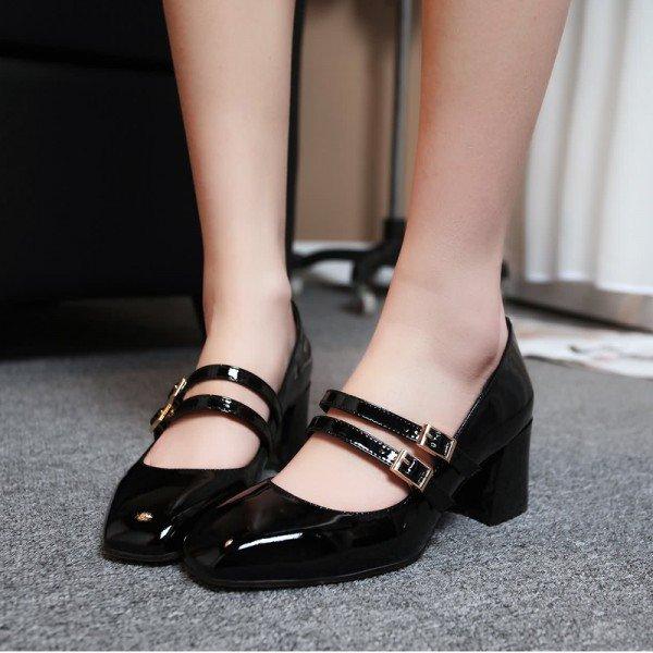 111c452e0 Ainda nesse site, o segundo sapato é lindo e muito estiloso. Estou doida  para ter um sapato desse modelo, combina com quase todos os look's e  proporciona ...