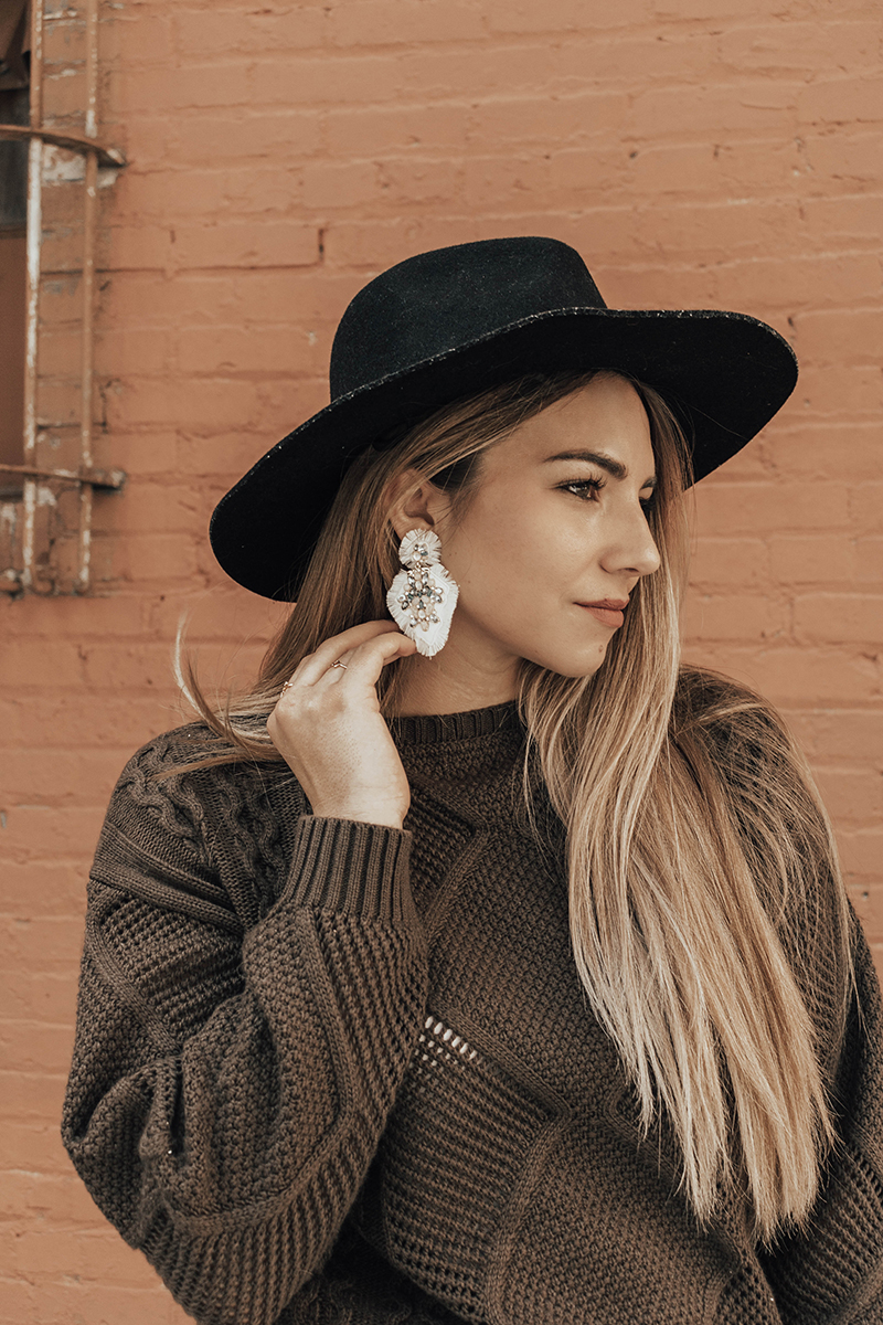 lash extensions, fall outfit ideas, brown sweater