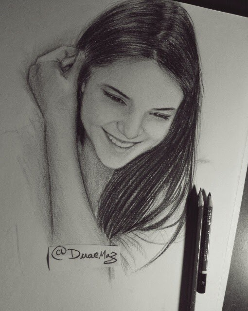 01-Pencil-Drawings-Duae-Maz-www-designstack-co