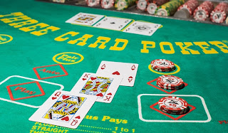 three card poker casino game
