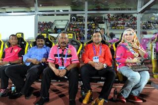 Bola Kelantan Pemain Kena Mandi Bunga