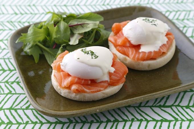 Huevos benedictinos con salmón noruego