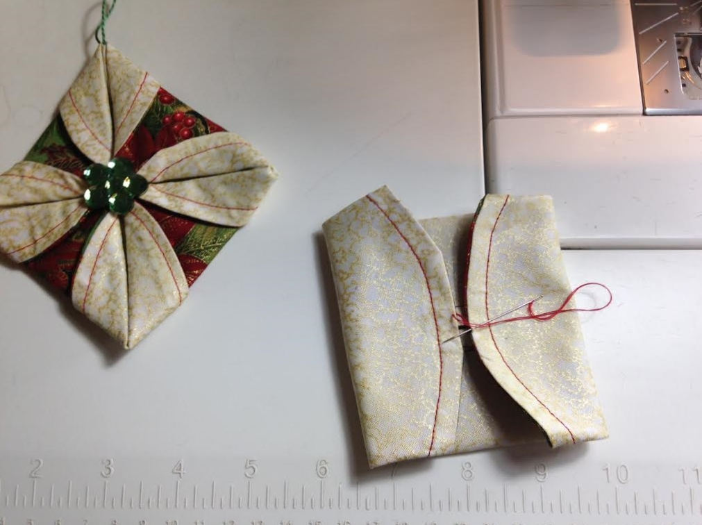 Life In The Scrapatch: Folded Fabric Christmas Ornaments