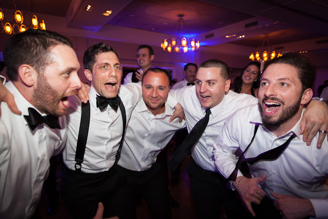 Groomsmen dancing at Willow Ridge Country Club Wedding reception | Karen Hill Photography