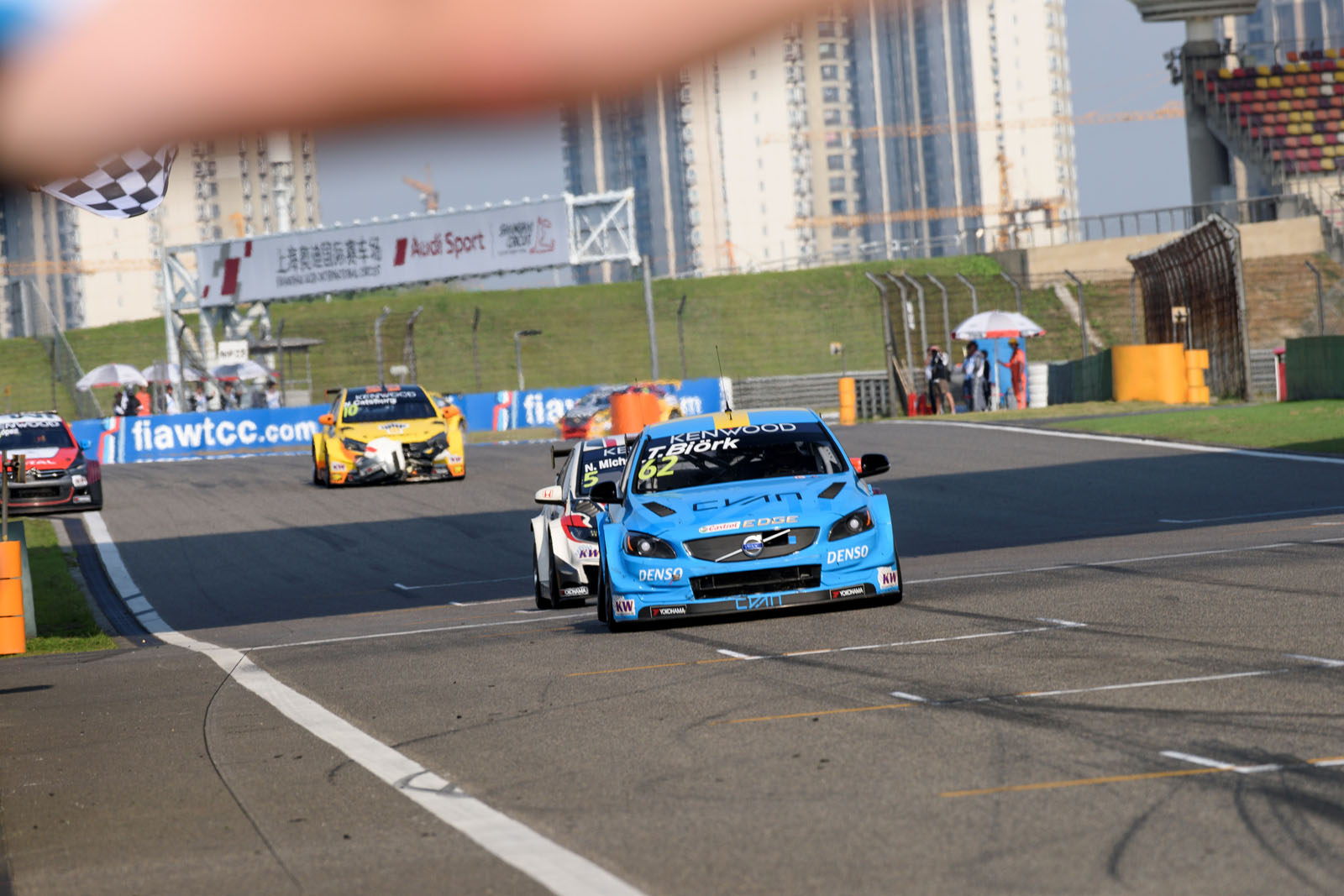 199381_Thed_Bj_rk_claims_maiden_WTCC_victory_on_a_historic_weekend_for_Polestar.jpg
