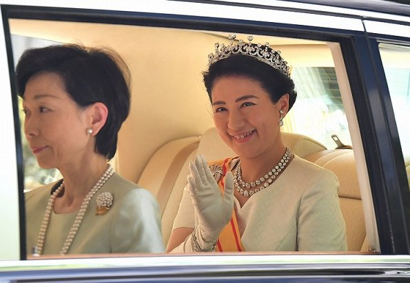 Emperor Naruhito and Empress Masako. Crown Princess Kiko, Princesses Mako and Kako. The Imperial women are wearing tiaras