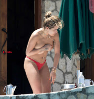 Rita-Ora-Topless-1+%7E+SexyCelebs.in+Exclusive+Celebrities+Galleries.jpg