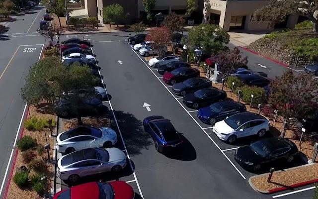 Vídeo: Tesla Model X em condução totalmente autônoma