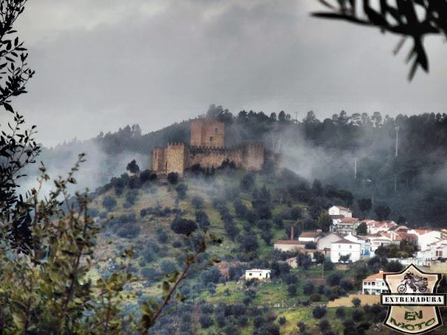 Vista del castillo de Belver
