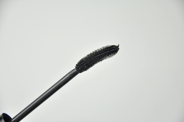podkręcający tusz do rzęs sinuosity curling mascara