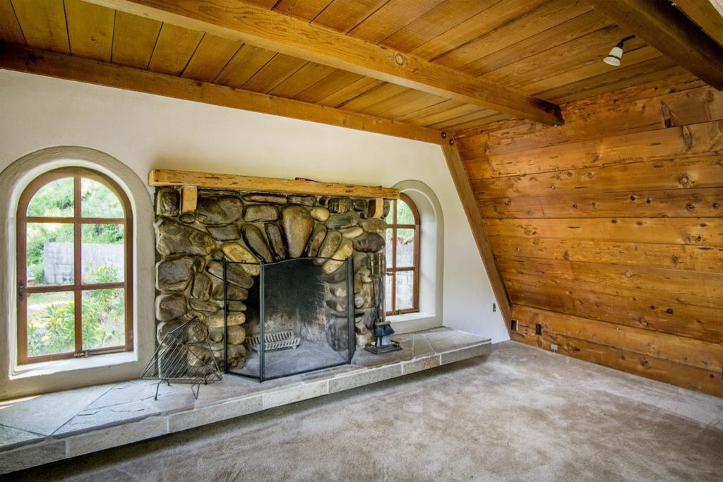 09-Architecture-with-the-Tiny-A-Frame-House-www-designstack-co