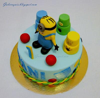 tarta primer año con juguetes