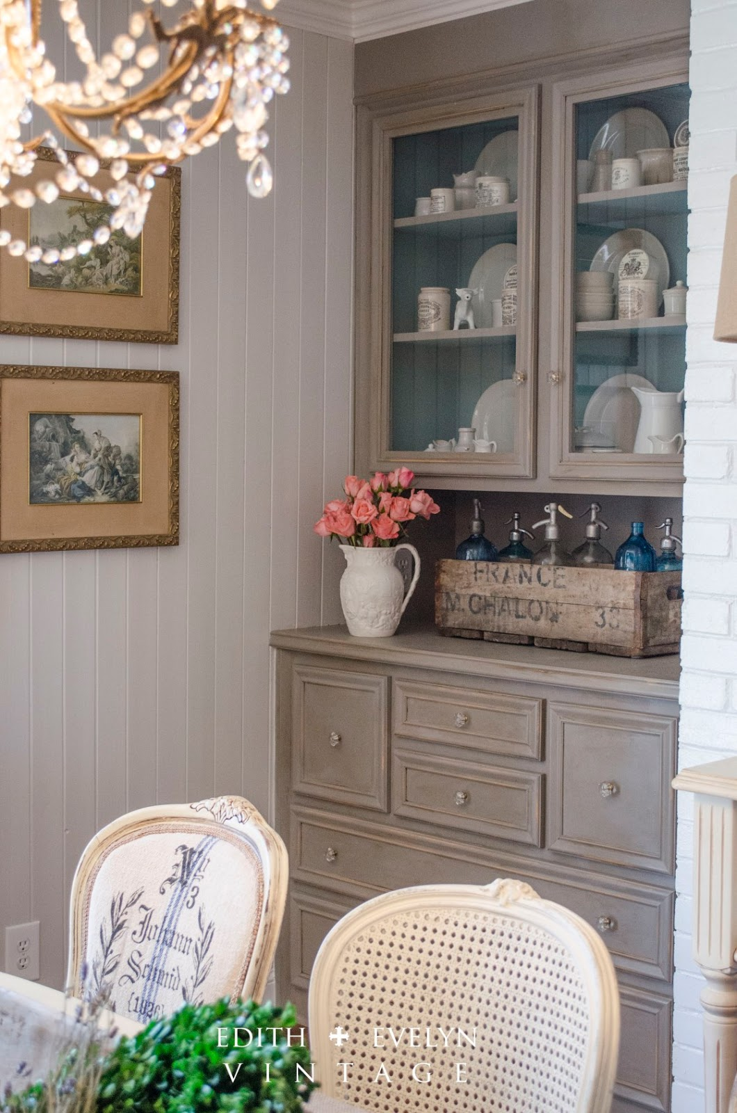 Love this beautiful home that's decorated in vintage French chateau style!