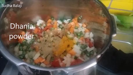 khichdi-recipe-thru-pics-1ar.png