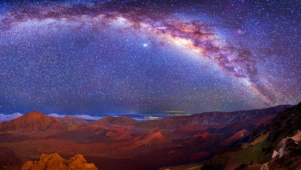 The white glow of the Milky Way is made by billions of stars