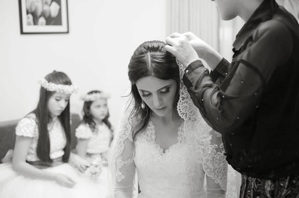 casamento-sitio-colocando-mantilha