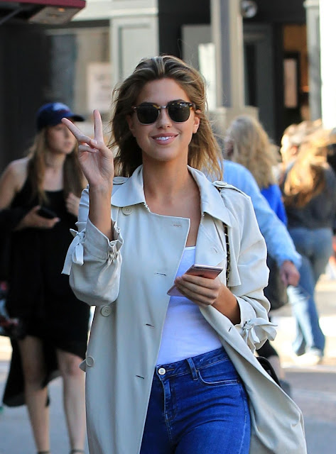 US supermodel KARA DEL TORO at The Glove