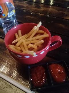 kentang goreng di madeline cafe