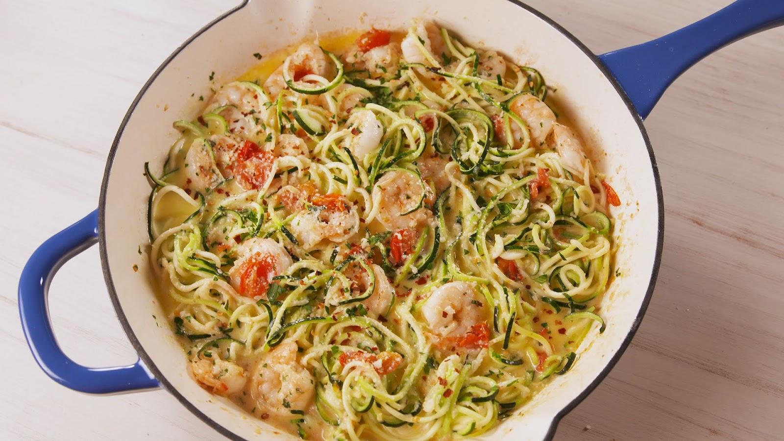 Garlicky Shrimp Zucchini Pasta