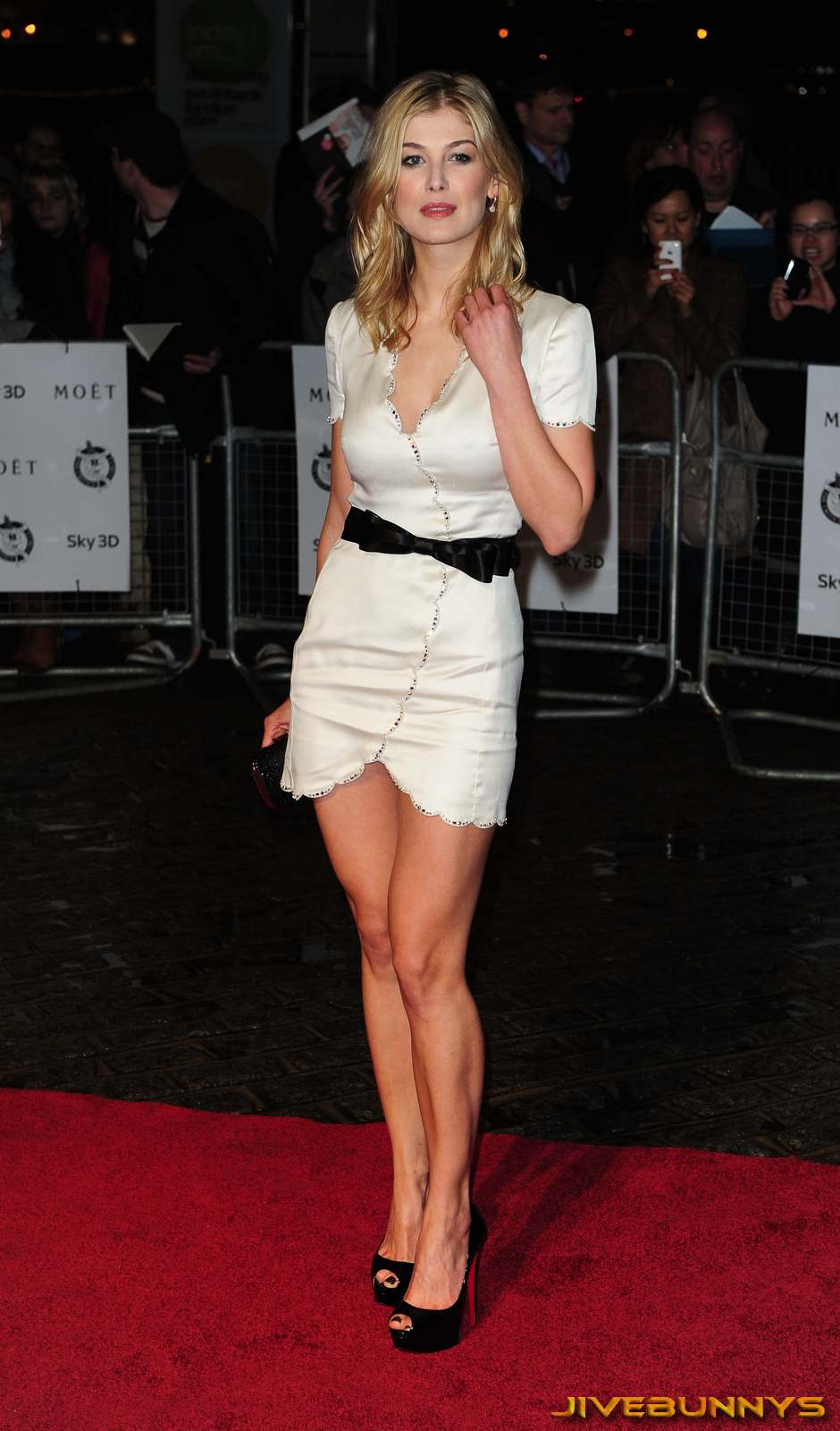 rosamund pike special pictures 4 film actresses