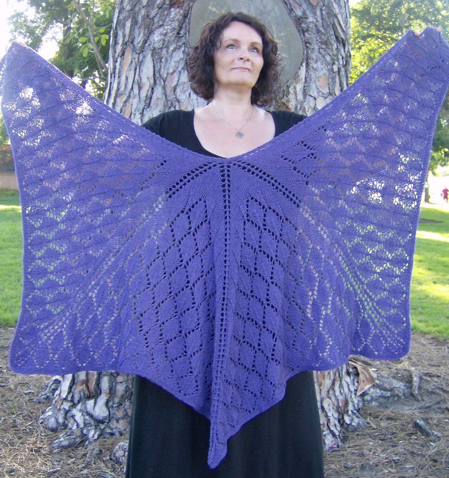 SunFunLiving Knits: Oak Leaves Shawl Pattern (FREE)