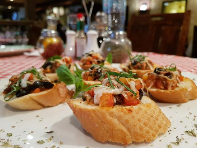 top food bloggers dubai