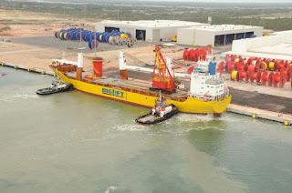 http://vnoticia.com.br/noticia/1776--acu-e-o-primeiro-porto-brasileiro-em-operacao-a-contar-com-investimentos-de-portos-internacionais