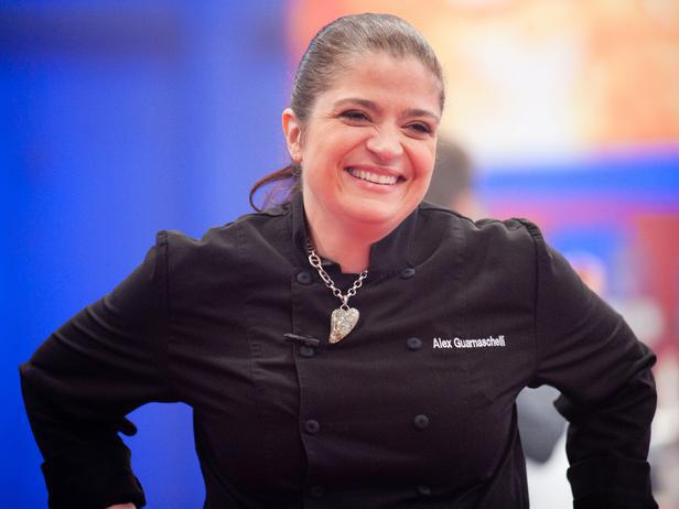 Alex Guarnaschelli bio, husband, daughter, married, age, family, birthday, net worth,   chef, brandon clark, cookbook, iron chef, butter, divorce, books, restaurants, brandon clark, recipes, wiki, biography