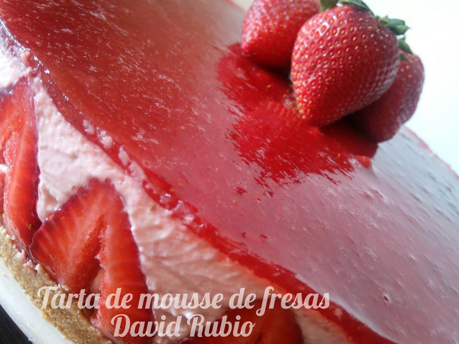 Tarta de mousse de fresas