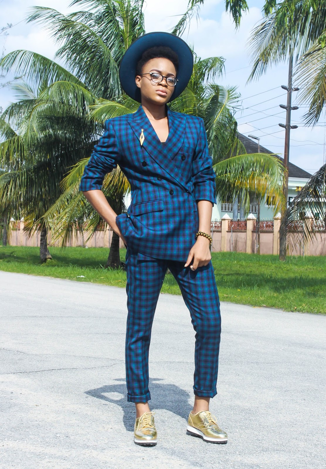 androgynous fashion blog, angrogynous clothing, tomboy chic outfit ideas