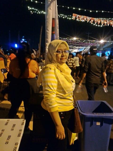 Meriahnya Festival Banjir Kanal Barat di Semarang