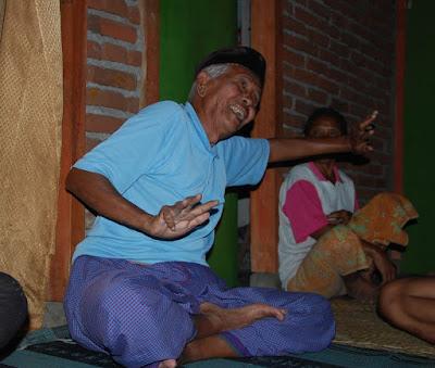 amaq raya, maestro tari lombok