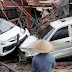 Indonesia: इंडोनेशिया के तट पर सैकड़ों लोग मारे गए Hundreds die when tsunami rocks Indonesian coast during crowded holiday