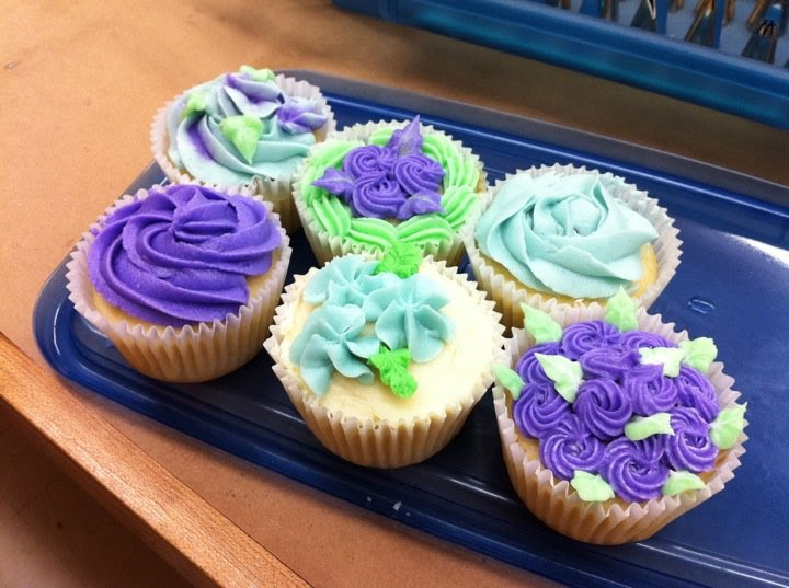 I Eated It: Michael's Wilton Cake Decorating Classes ...